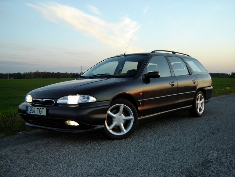 Ford Mondeo 2.5 1996 photo - 8