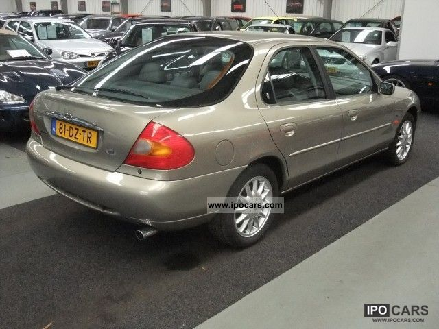 Ford Mondeo 2.5 2000 photo - 3