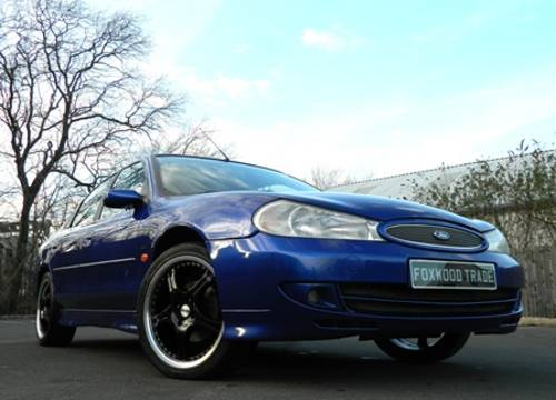 Ford Mondeo 2.5 2000 photo - 6