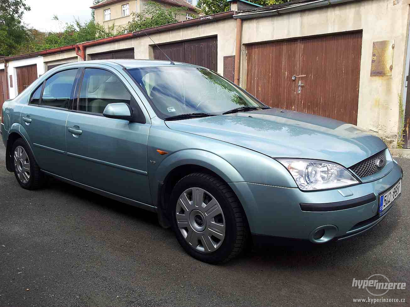 Ford Mondeo 2.5 2001 photo - 4