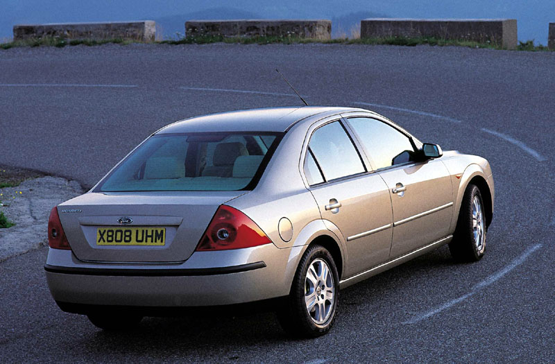Ford Mondeo 2.5 2002 photo - 8