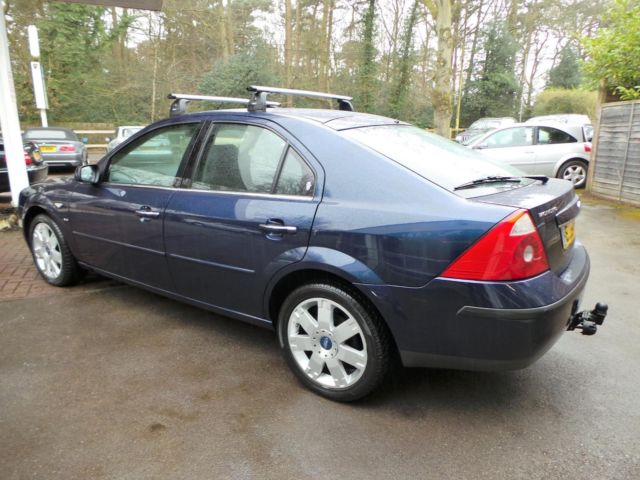Ford Mondeo 2.5 2004 photo - 3