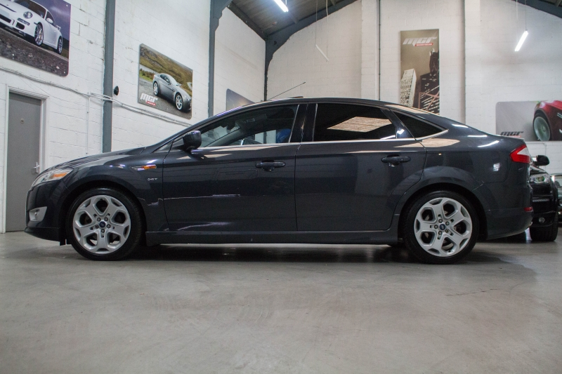 Ford Mondeo 2.5T 2010 photo - 1