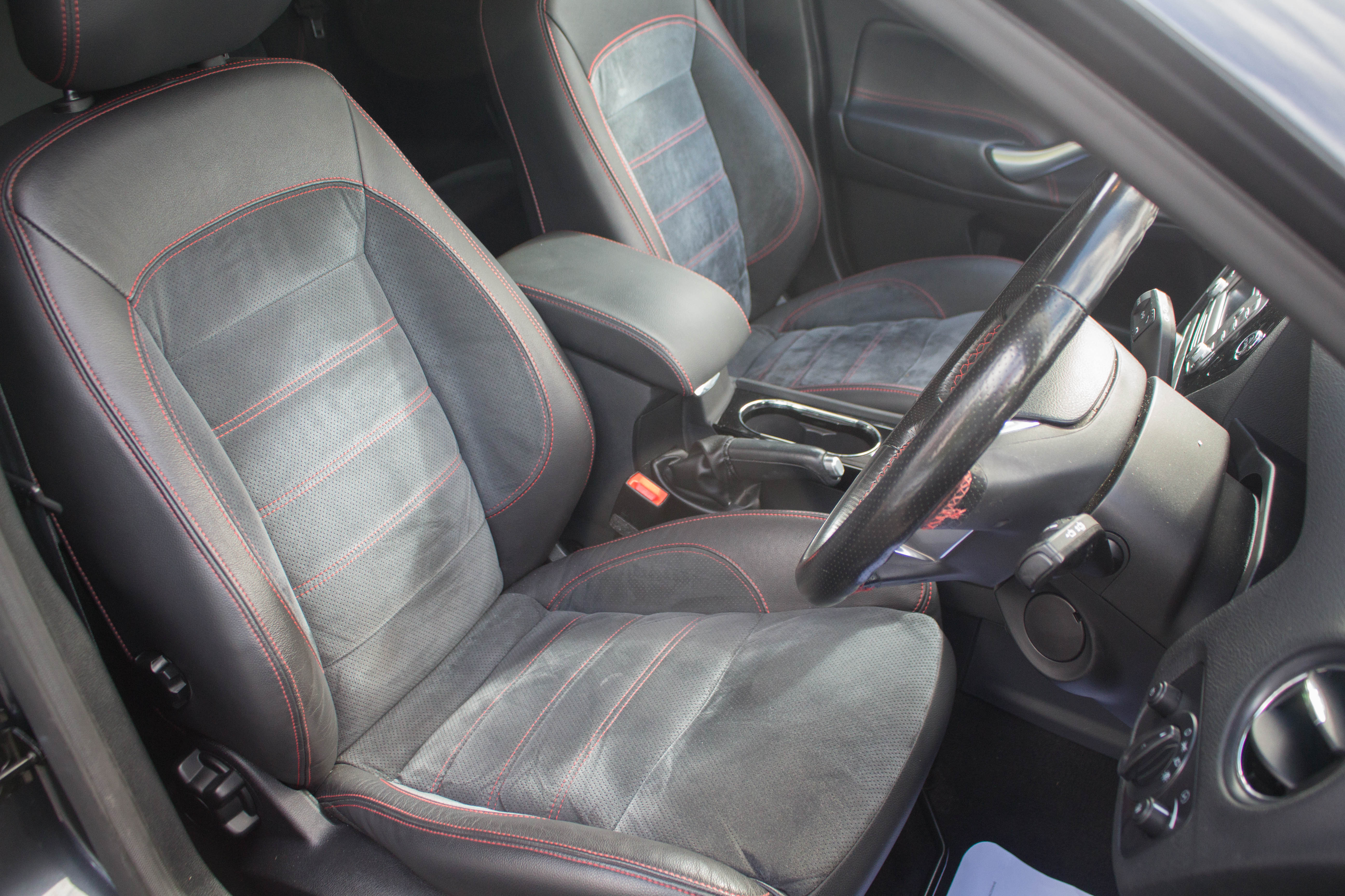 Ford Mondeo 2.5T 2010 photo - 3