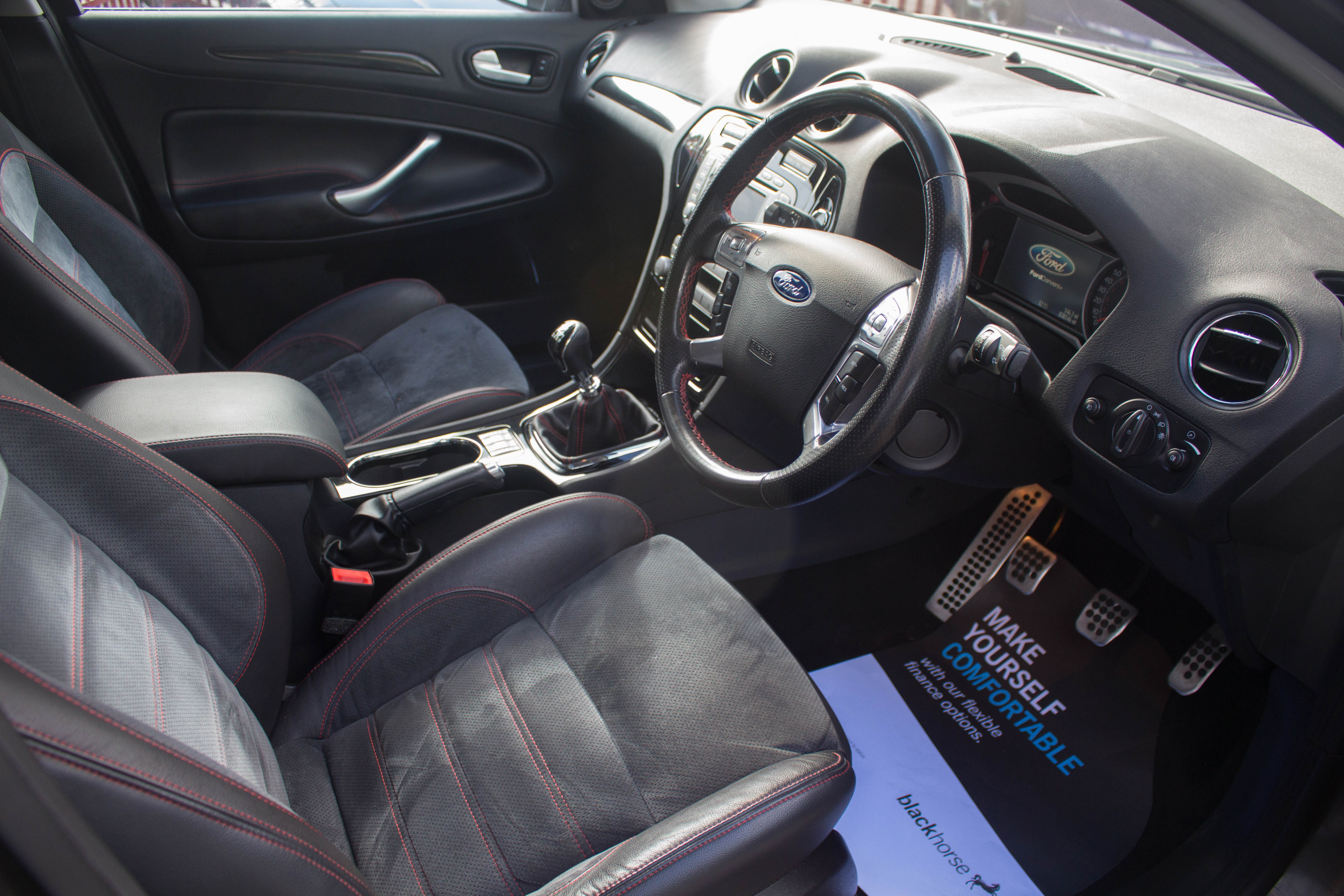 Ford Mondeo 2.5T 2010 photo - 6