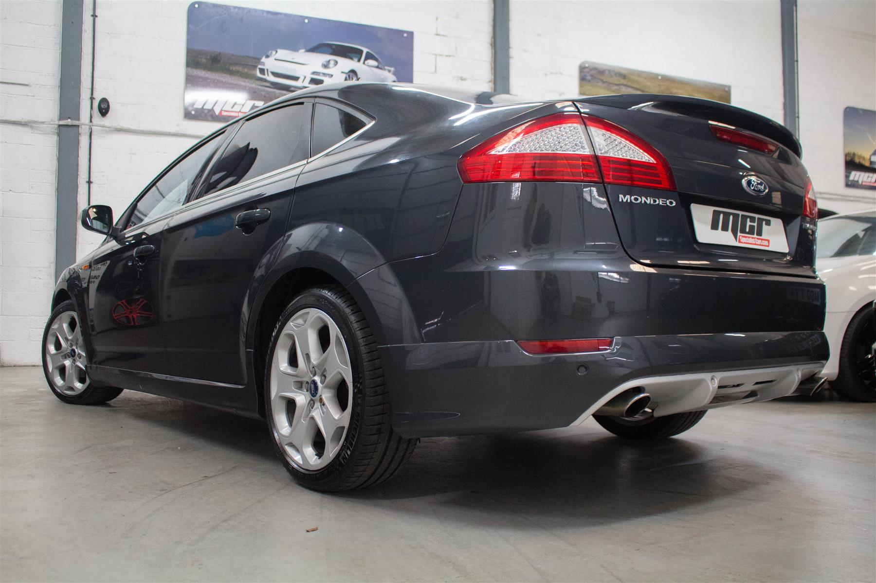 Ford Mondeo 2.5T 2010 photo - 9