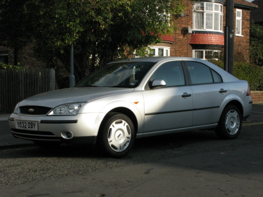 Ford Mondeo 3.0 2001 photo - 8