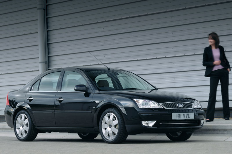 Ford Mondeo 3.0 2003 photo - 10