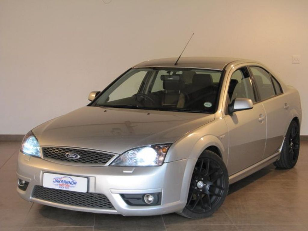 Ford Mondeo 3.0 2004 photo - 3