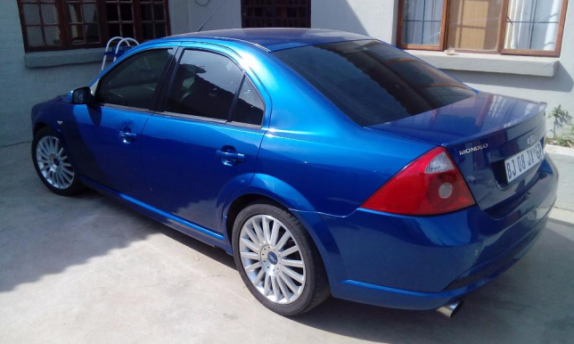 Ford Mondeo 3.0 2004 photo - 4