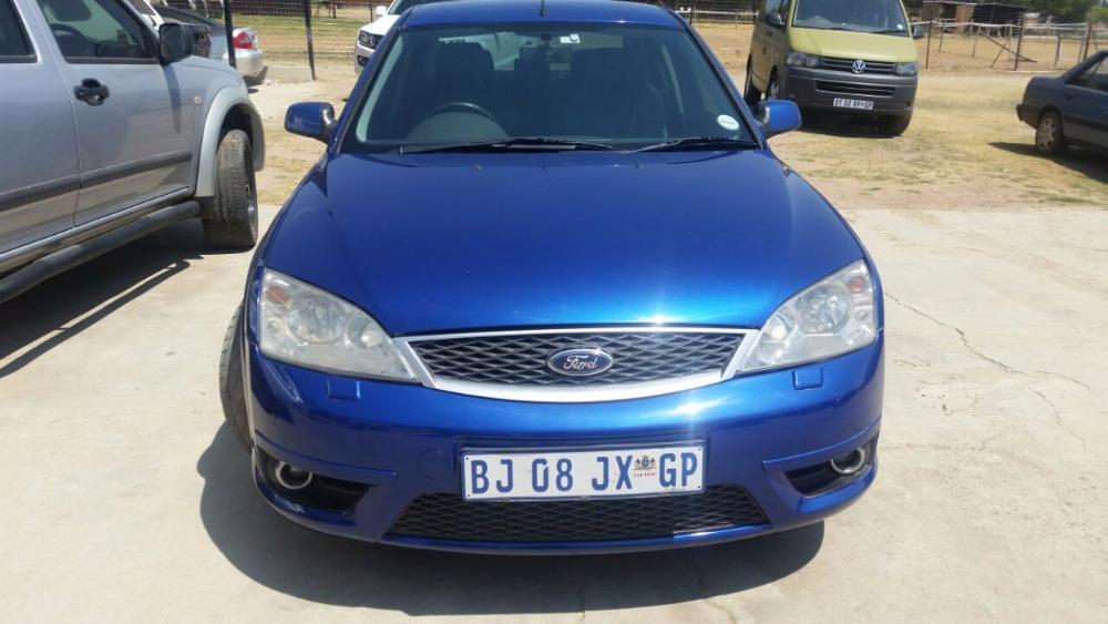 Ford Mondeo 3.0 2004 photo - 8