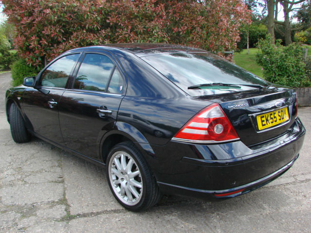 Ford Mondeo 3.0 2005 photo - 10