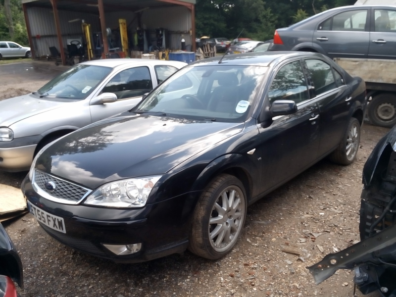 Ford Mondeo 3.0 2006 photo - 12