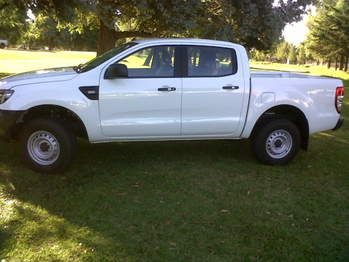 Ford Ranger 2.2 2014 photo - 6