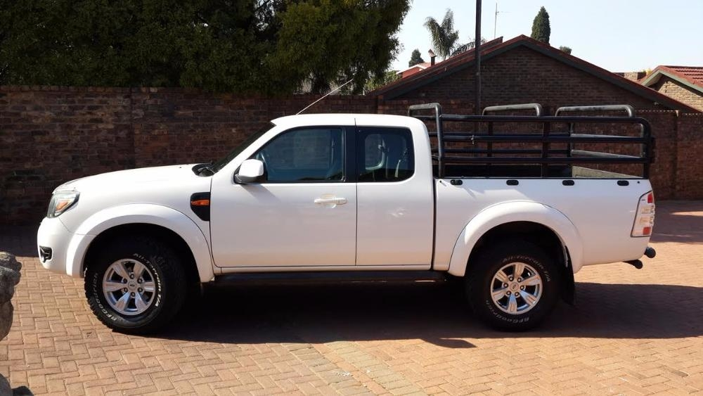 Ford Ranger 3.0 2010 photo - 11