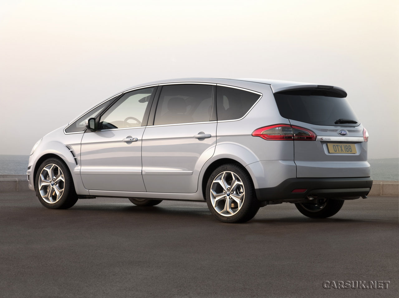 Ford S-Max 1.8 2010 photo - 1