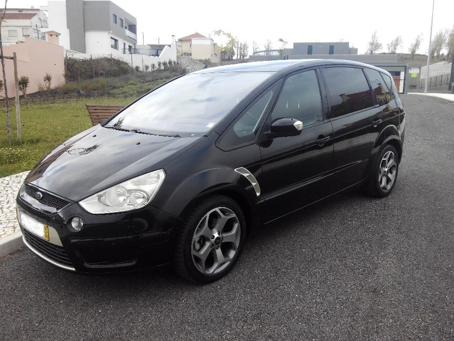 Ford S-Max 1.8 2010 photo - 12