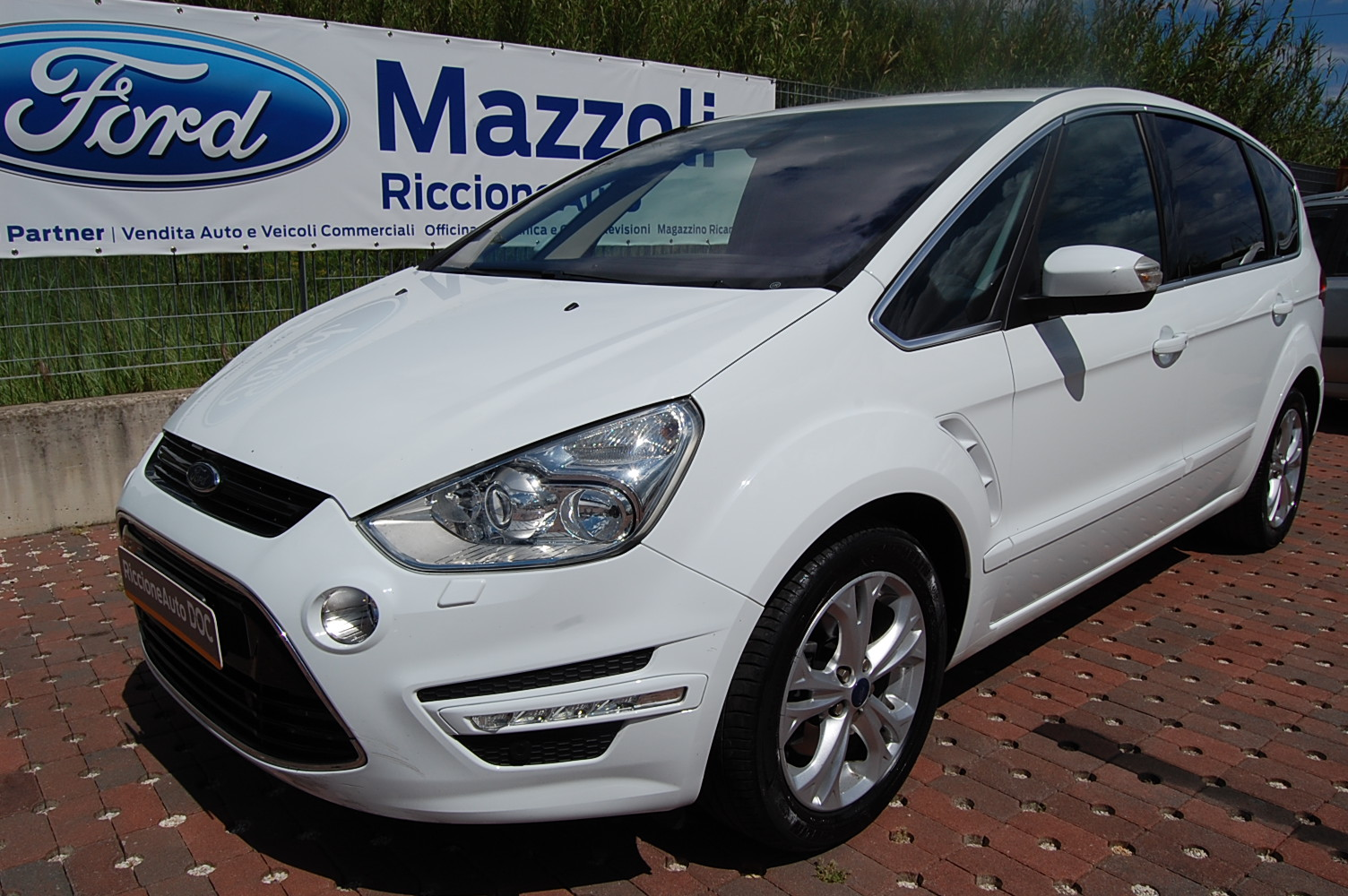 Ford S-Max 2.0 1997 photo - 12