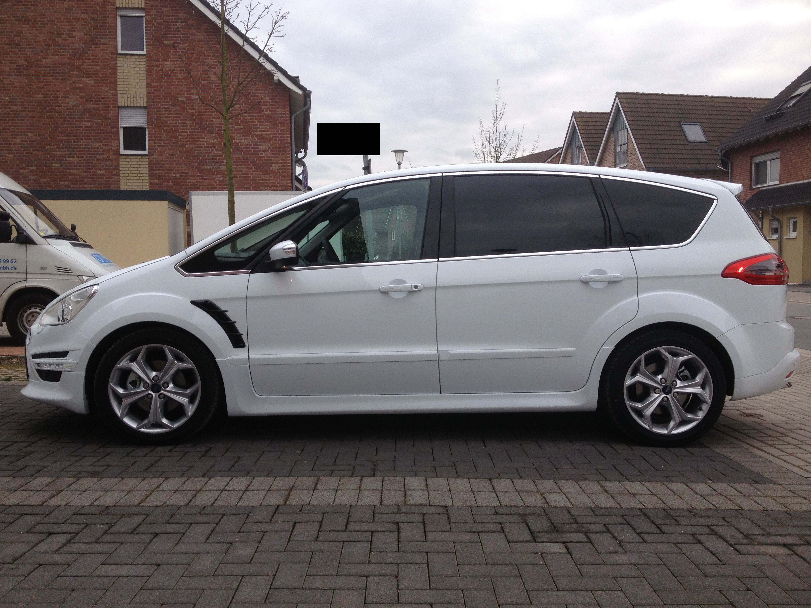 Ford S-Max 2.0 1997 photo - 3