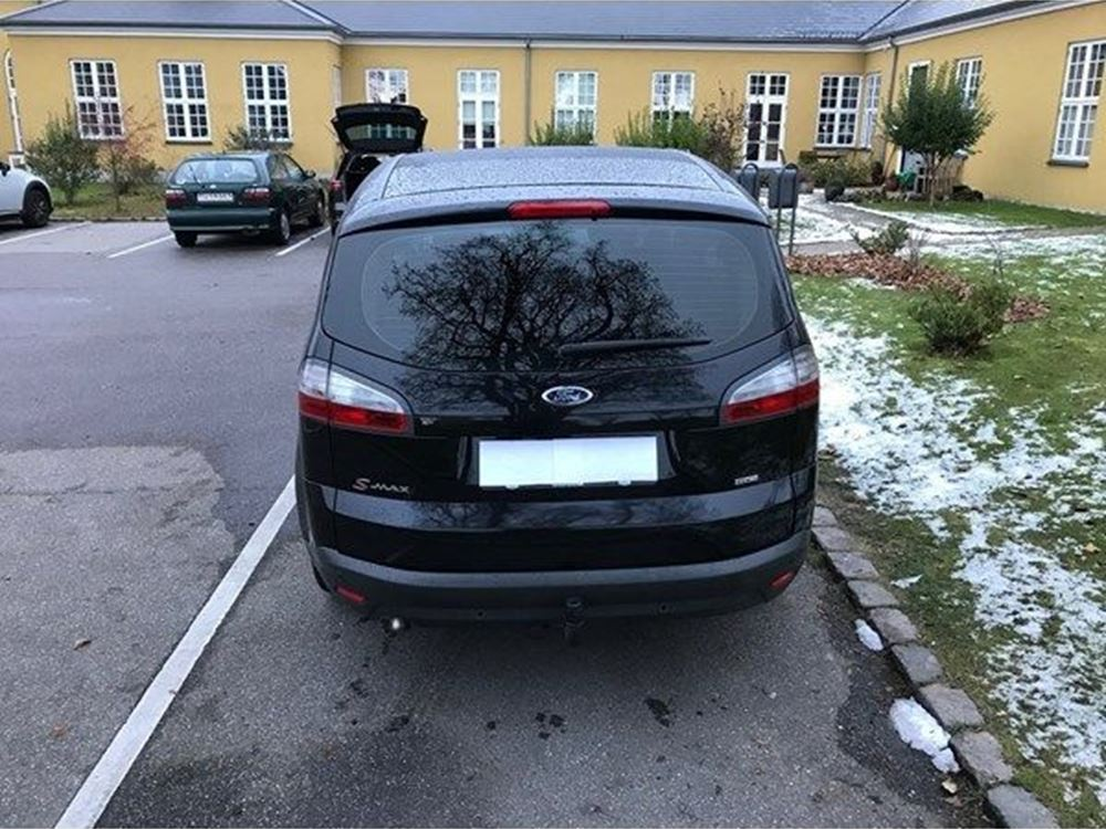 Ford S-Max 2.0 2009 photo - 9