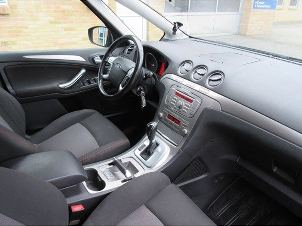 Ford S-Max 2.0 2010 photo - 8
