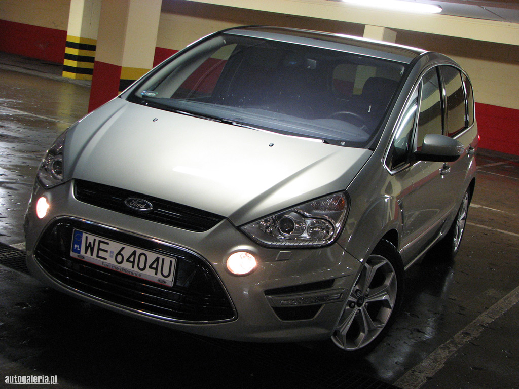 Ford S-Max 2.0 2011 photo - 12