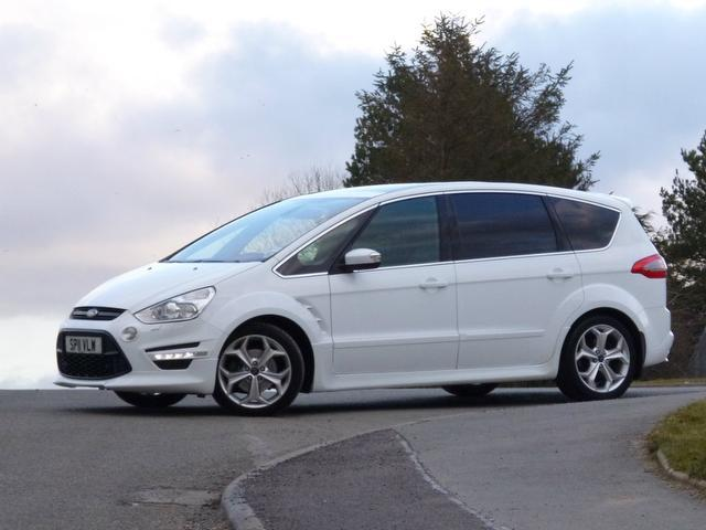 Ford S-Max 2.0 2011 photo - 3
