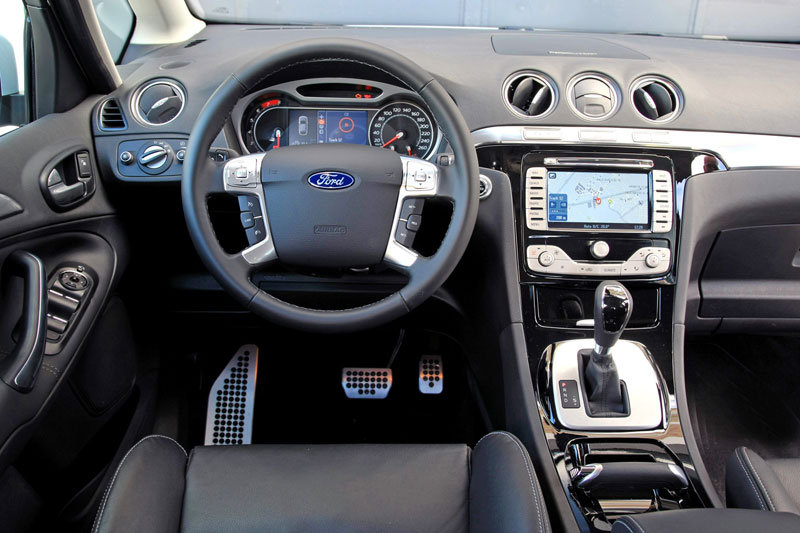 Ford S-Max 2.0 2012 photo - 9