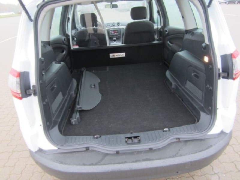 Ford S-Max 2.0 2013 photo - 11