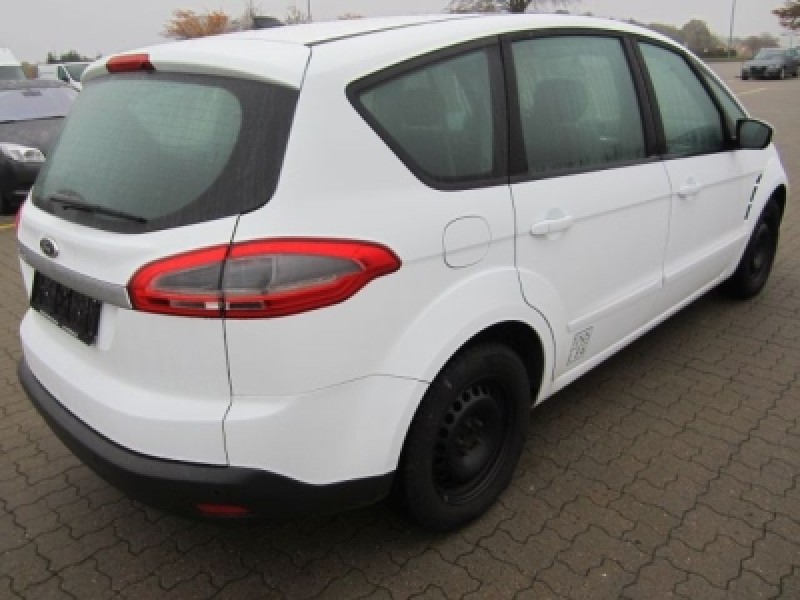 Ford S-Max 2.0 2013 photo - 12
