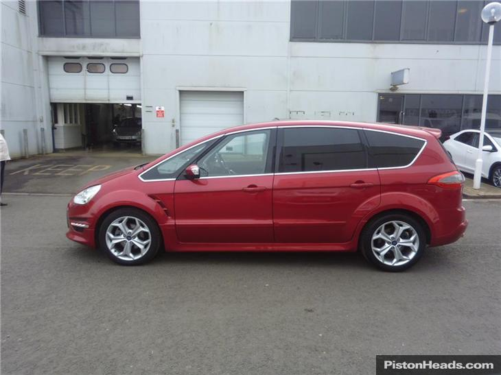 Ford S-Max 2.2 2013 photo - 2