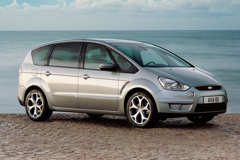 Ford S-Max 2.2 2013 photo - 9