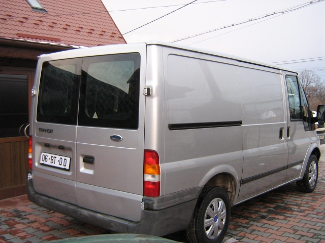 Ford Transit 2.0 2006 photo - 12