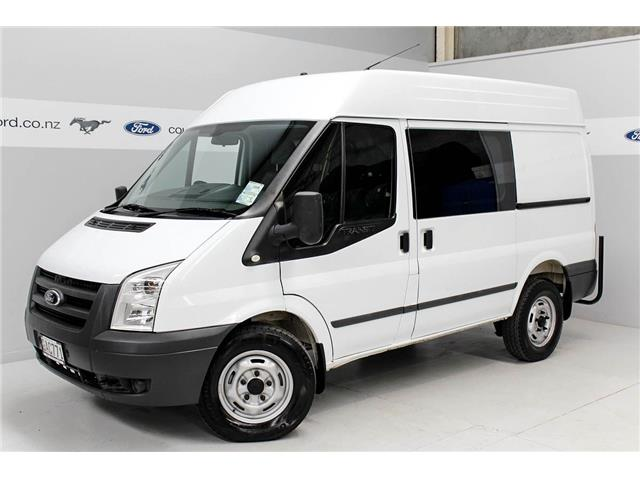 Ford Transit 2.4 2011 photo - 2