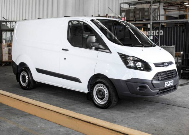 Ford Transit Custom 2.2 2014 photo - 2