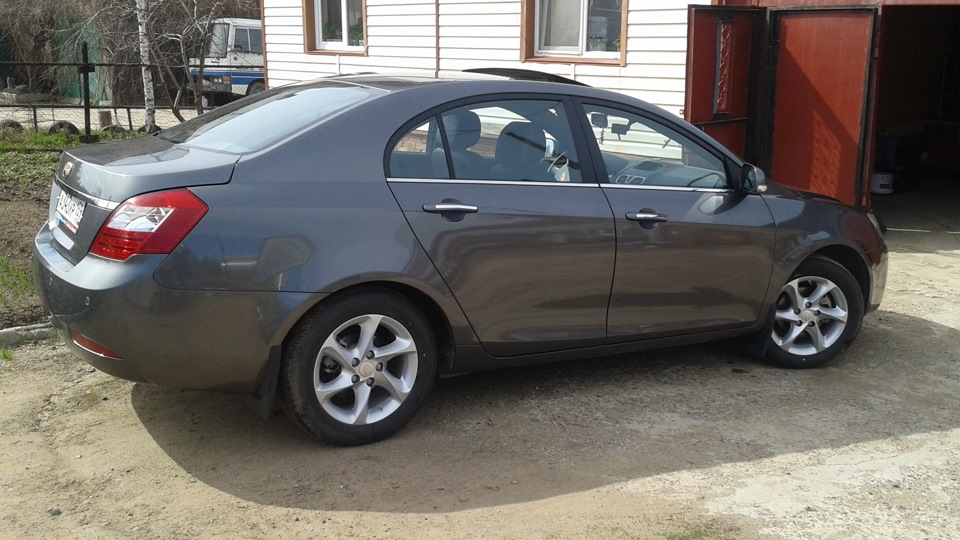 Geely Emgrand 1.8 2012 photo - 5