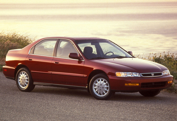 Honda Accord 1.8 1996 photo - 2