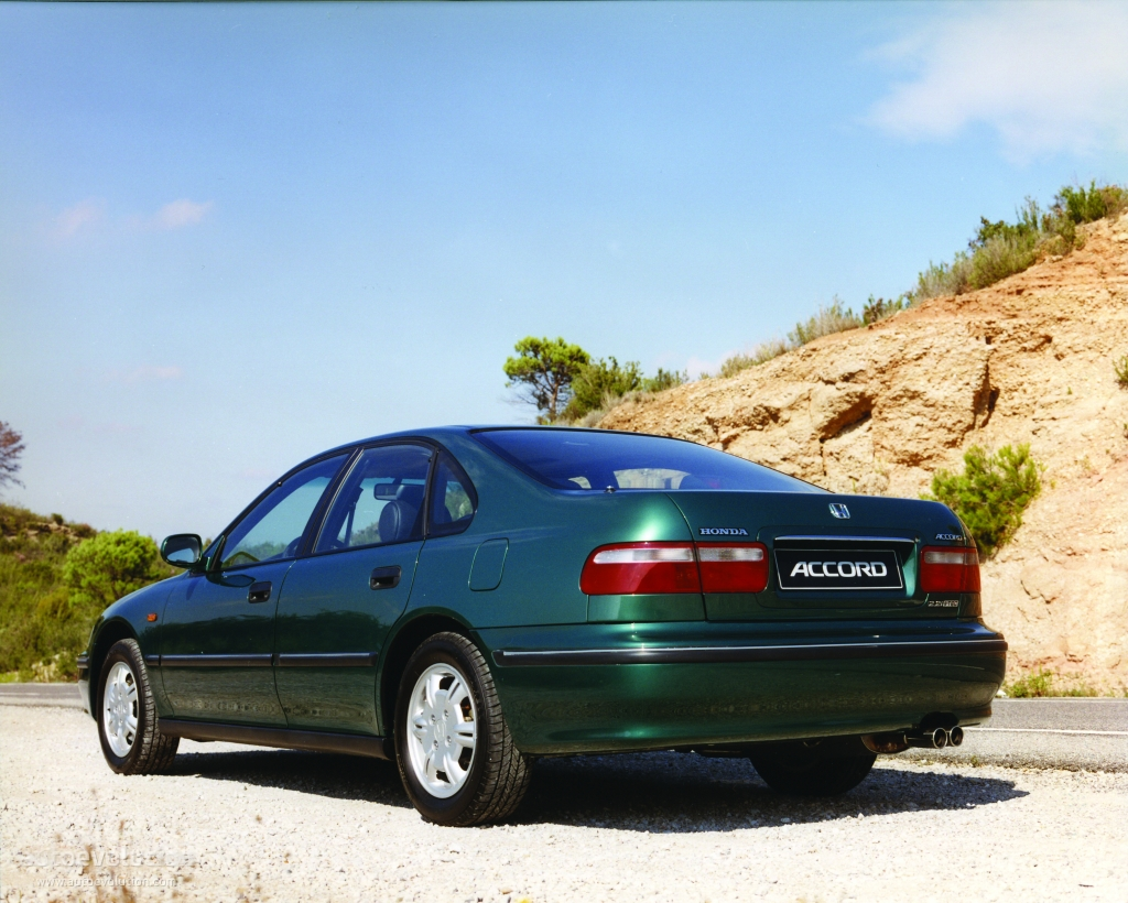 Honda Accord 1.8 1996 photo - 6