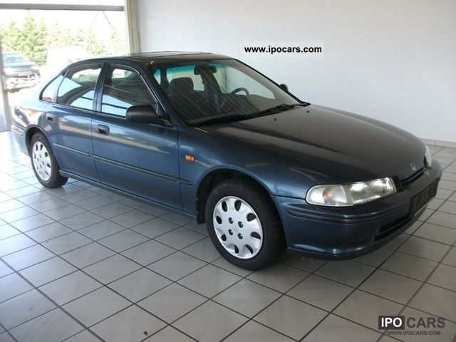 Honda Accord 2.0 1993 photo - 11