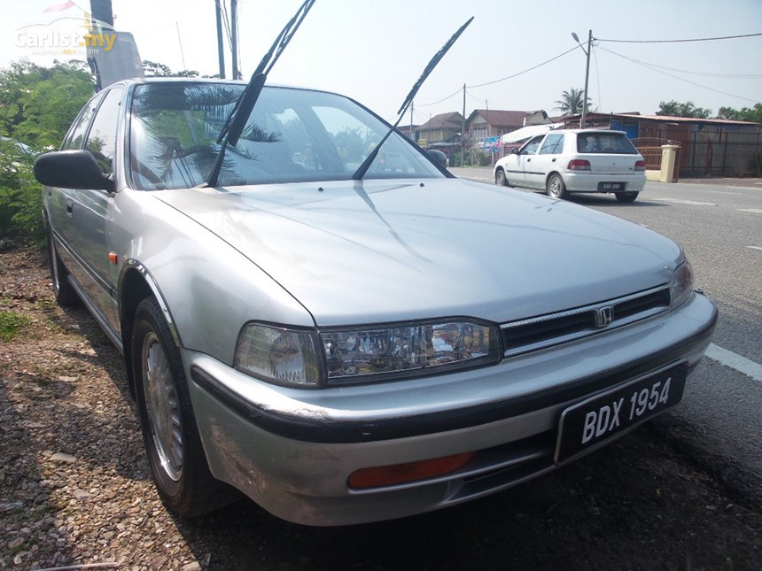 Honda Accord 2.0 1993 photo - 3