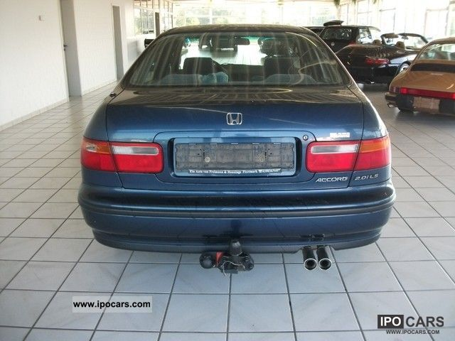 Honda Accord 2.0 1993 photo - 8