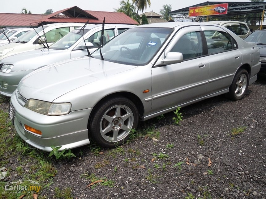 Honda Accord 2.0 1997 photo - 1