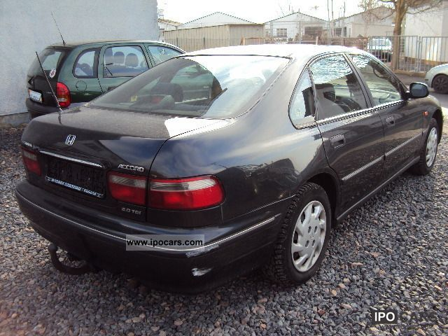 Honda Accord 2.0 1997 photo - 2