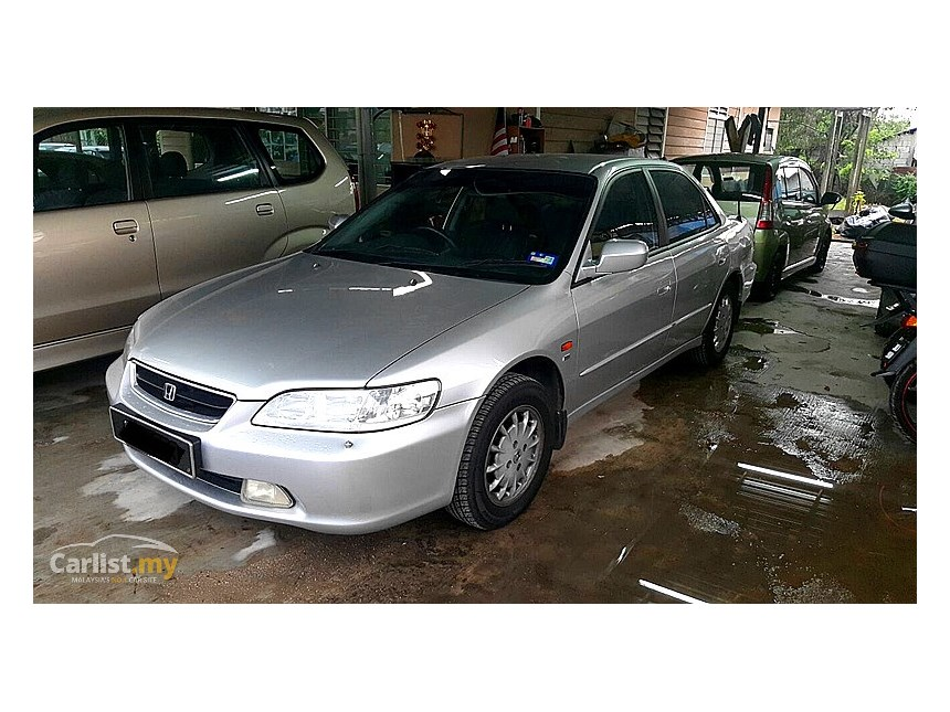Honda Accord 2.0 2000 photo - 3