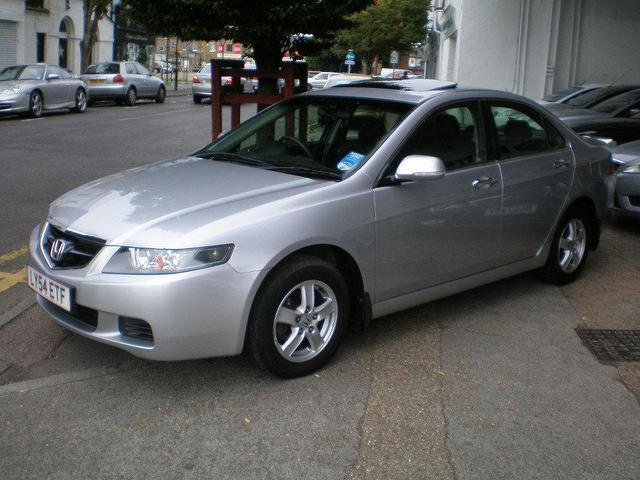Honda Accord 2.0 2004 photo - 1