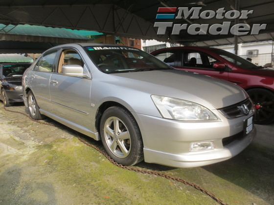 Honda Accord 2.0 2004 photo - 5