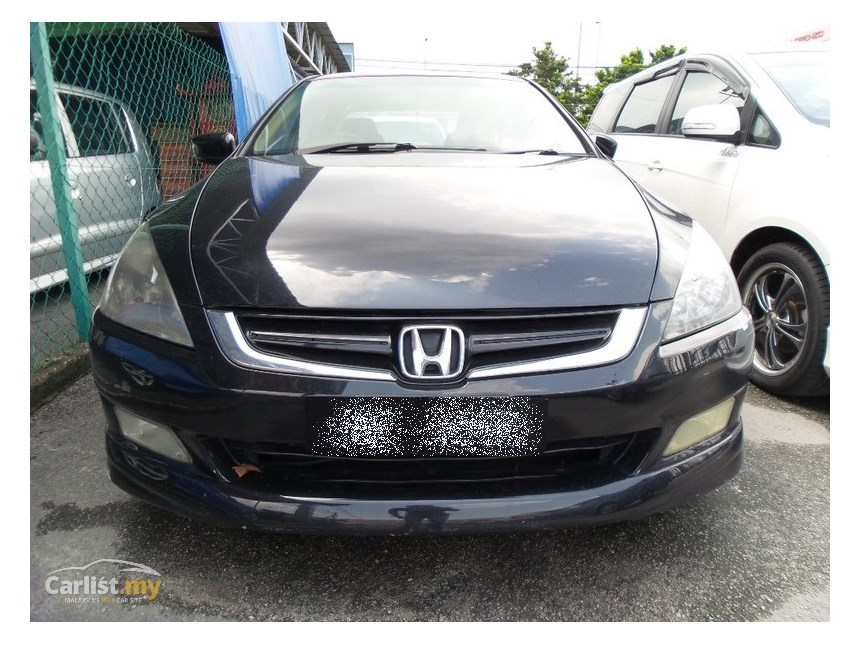 Honda Accord 2.0 2004 photo - 7