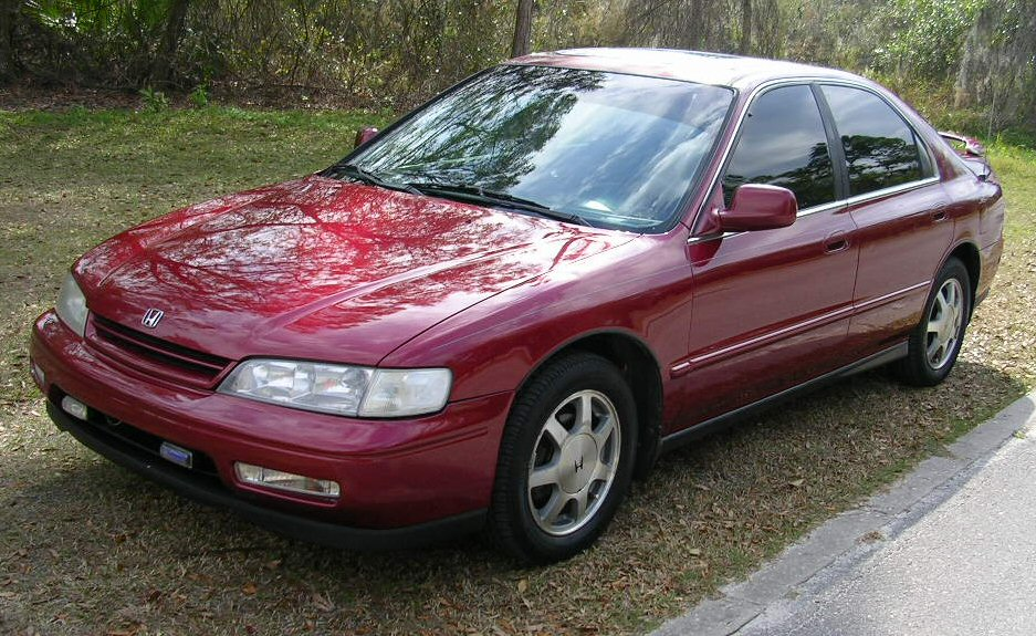 Honda Accord 2.2 1995 photo - 1