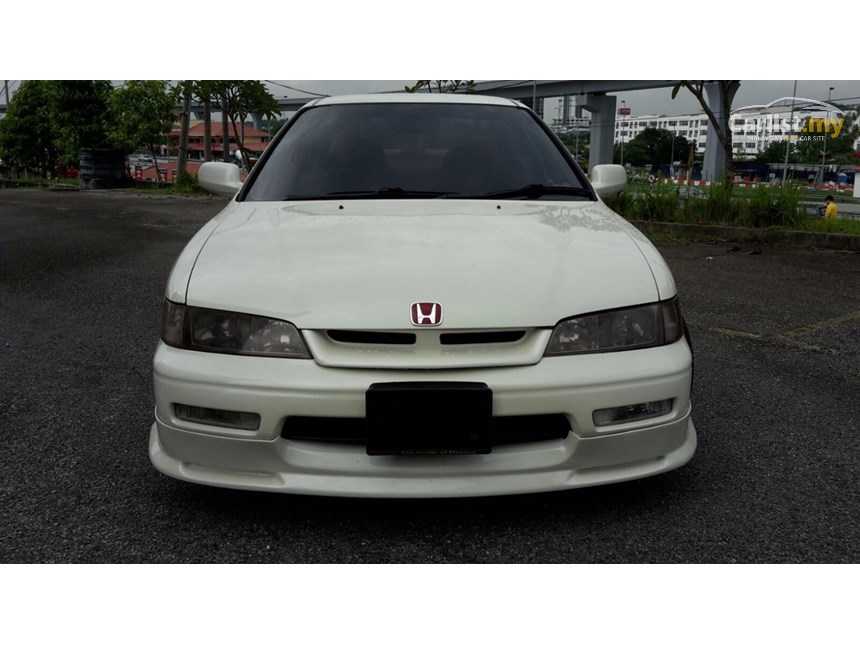 Honda Accord 2.2 1995 photo - 11