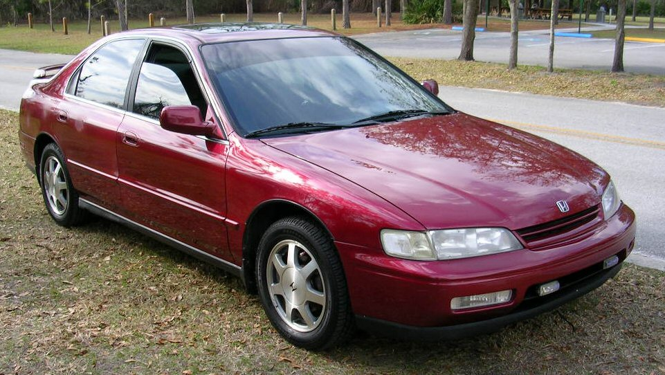 Honda Accord 2.2 1995 photo - 12
